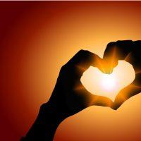 Bedingungslose Liebe als Gegenpool zu Hass